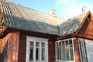 Visų pirma keičiami tik gyvenamųjų namų stogai, ūkiniams pastatams parama neteikiama.