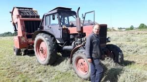 """""""Tokiomis pieno supirkimo kainomis neįmanoma išgyventi, - teks karves parduoti... - sako ūkininkas Jonas Sapitavičius iš Bagaslaviškio."""