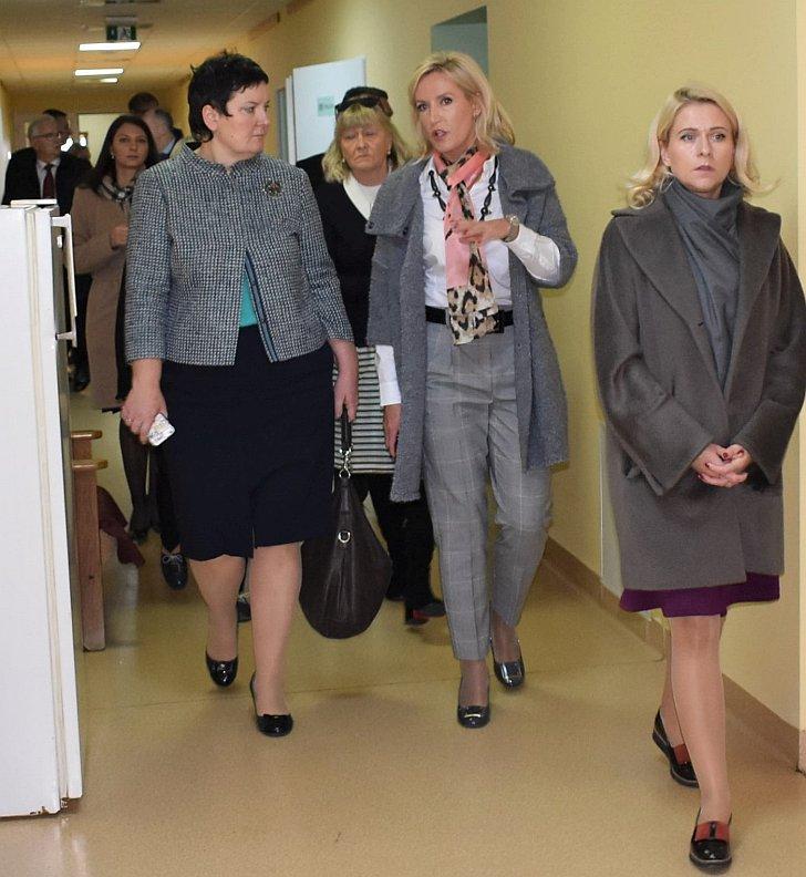 Darbo grupę sutiko ir VšĮ Širvintų ligoninė bazę aprodė merė Ž. Pinskuvienė ir Administracijos direktorė I. Baltušytė-Četrauskienė.