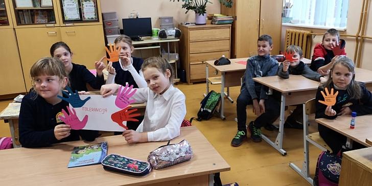 Gelvonų gimnazija renkasi įvairias veiklas.