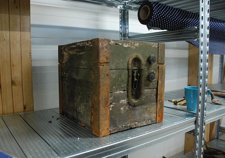 DĖK'UI stotelėje galima rasti 1938 metais pagamintą pinigų ir dokumentų dėžę.