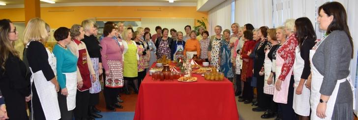 Merė Živilė Pinskuvienė padėkojo moterims už jų gerumą.