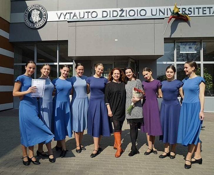 Violina Romeikatė po bakalauro darbo gynimo koncerto.