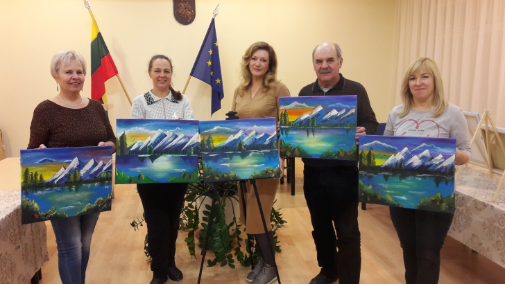 Bendruomeniniai šeimos namai priglaudė tapybos mėgėjus.