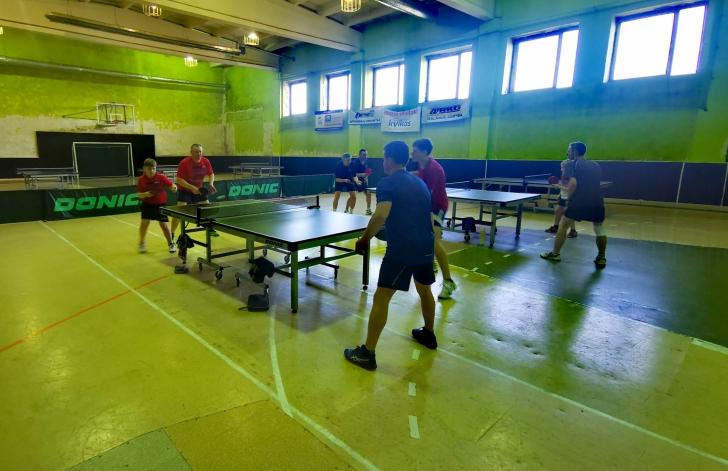 surengtos Širvintų rajono stalo teniso pirmenybės. Kovoja vyrų dvejetai.