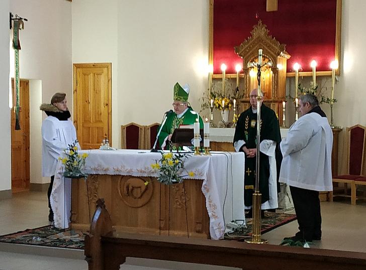 Šv. Mišias koncelebravo J. E. Kaišiadorių vyskupas Jonas Ivanauskas.