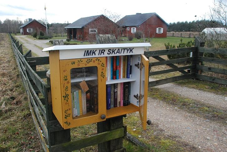 Maža nemokama bibliotekėlė Viršuliškiuose