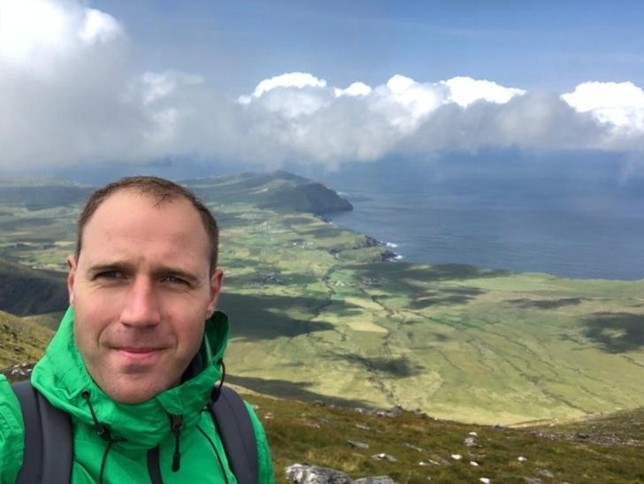 Rimantas Romaška ant antro aukščiausio kalno Airijoje.