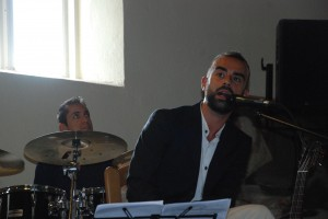 Dainą publikai skiria Antonio Palmisani.