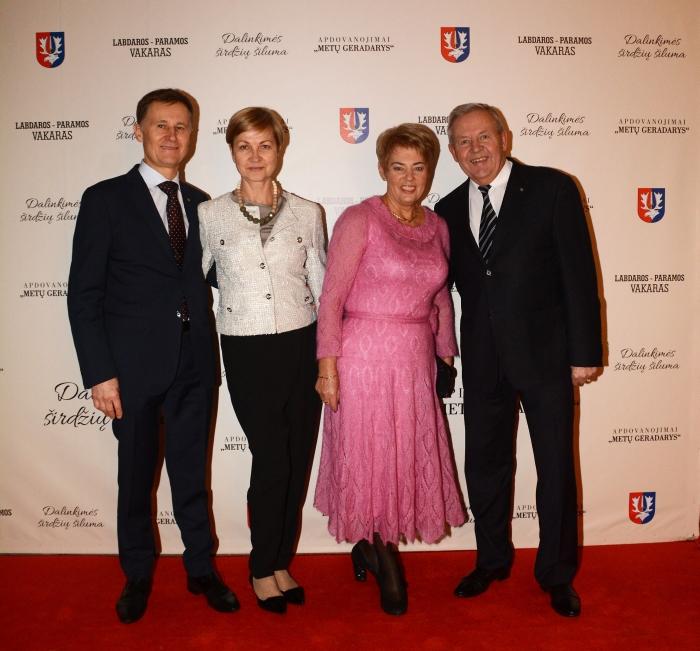 Raimonda ir Arnoldas Jonas Kunigėliai, Vida ir Vytautas Matuliai