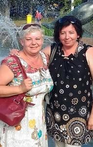 Asta Četrauskienė su sese Daiva.