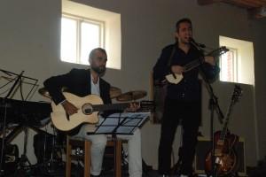 Dešimtstygė gitara atgijo Cristian Carvacho rankose.