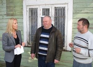 Zibalų seniūnas Nerijus Drazdas (centre) pasidalijo mintimis apie seniūniją slegiančius rūpesčius.