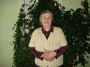 """Aukštųjų Viesų kaimo gyventoja Marijona Asteikienė: """"Labai laukiu pavasario, kad tik greičiau sušiltų""""."""