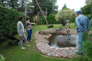 Astos ir Ginto Jurkevičių sodyboje prie veikiančio fontano