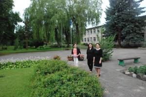 Bagaslaviškio Igno Šeiniaus pagrindinės mokyklos kiemas turtingas įvairių žalumynų.