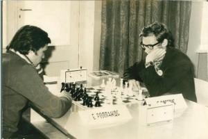 Gediminas Voveris (antras iš kairės) žaidžia turnyre Latvijoje.