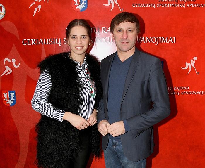 Sportuojantis ir daug dėmesio sporto problemoms spręsti skiriantis rajono Tarybos narys Rimas Stepaitis ir Lina Brivinskaitė