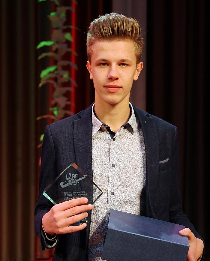 Geriausias Lietuvos žolės riedulininkas tarp jaunučių - Lukas Janukaitis.