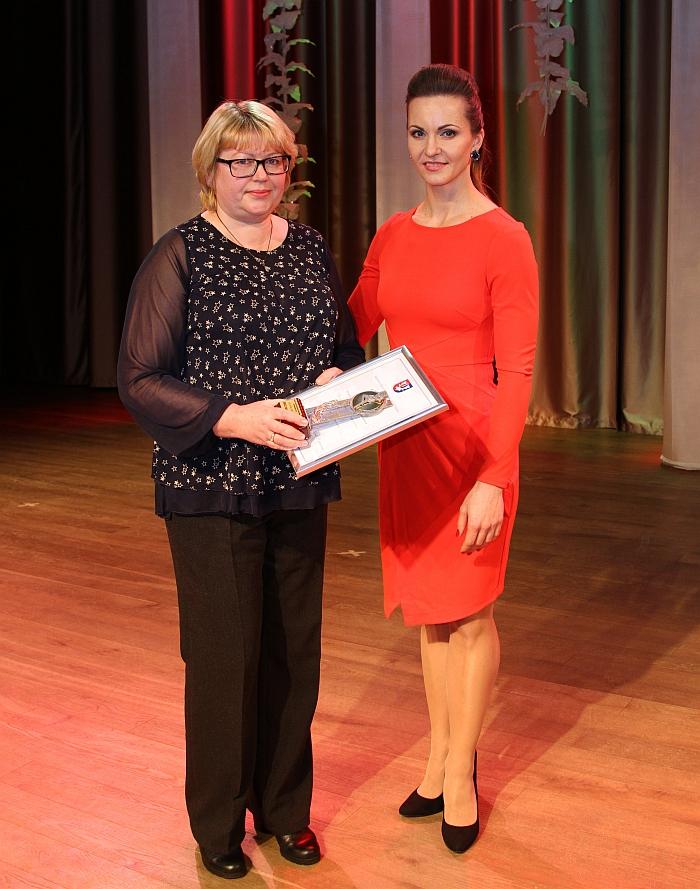 """Už """"Metų sporto iniciatyvą"""" apdovanota projekto koordinatorė Jūratė Balukevičienė."""