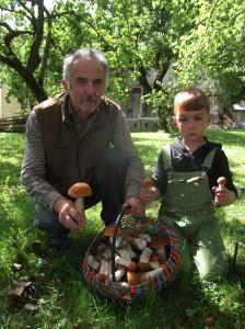 Juozui Rabazauskui su anūkėliu nė į mišką eiti nereikia...