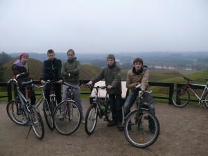 Žygį dviračiais galima pradėti Kernavėje.
