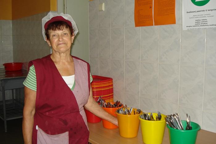Už švarą ir tvarką valgykloje atsakinga Regina Gudanienė.