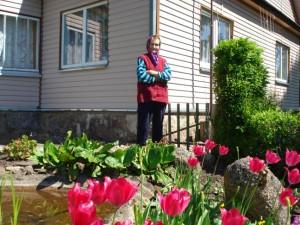 Anciūnų gyventoja Mikalina Abeliūnaitė moka meistriškai dėlioti augalų kompozicijas.