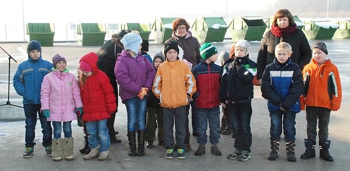 Atidaryme dalyvavusiems mažiesiems moksleiviams buvo priminta apie atliekų rūšiavimo reikšmę.