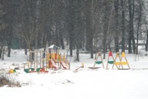 Kol kas žiema sustabdė paplūdimio įrengimo darbus.