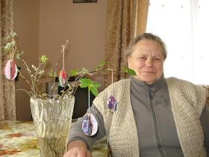Beivydžių kaimo gyventojai Melanijai Andrikonienei atminty išlikęs įdomiausias vaikystės užsiėmimas - drauge su mama dažyti velykinius kiaušinius.