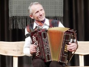 2011 metų respublikinės armonikininkų šventės-varžytuvių nugalėtojas varėniškis Pranas Ulbinas.
