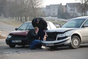 Eismo įvykio metu buvo apgadinti automobiliai.