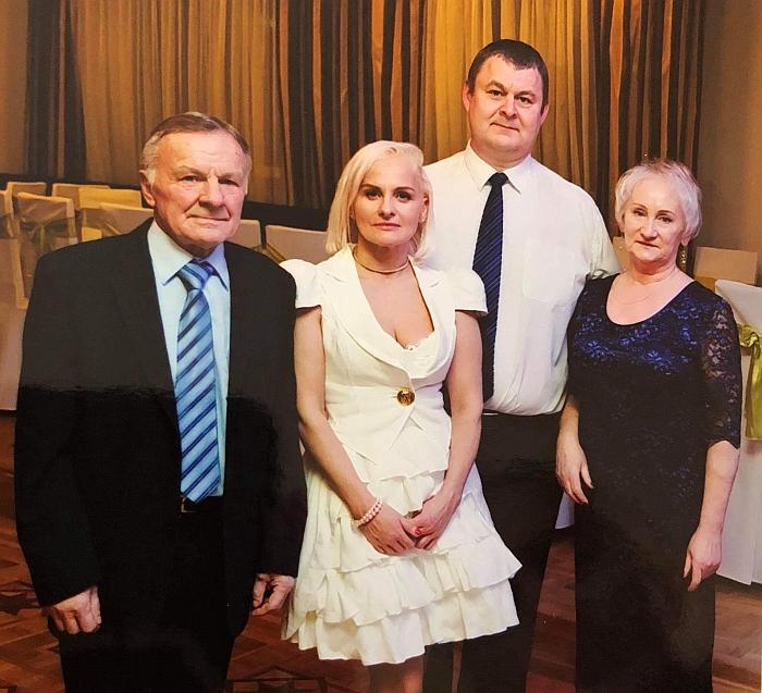 Donata Bankauskienė su vyru ir tėvais.
