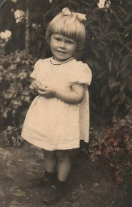 Genovaitė Bagdonienė sunkiai randa atsakymą, kodėl ji, mažytė trimetė mergaitė, buvo ištremta iš Lietuvos.