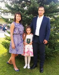 2015 metų rugsėjo pirmoji. Preikšaičių šeimai svarbi diena - jų duktė Liepa pradėjo lankyti pirmąją klasę.