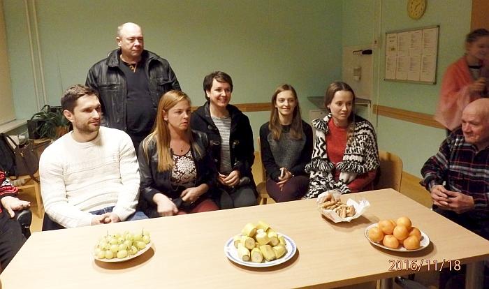"""Širvintų miesto bendruomenės """"Mūsų Širvintos"""" nariai susitikimo metu: (iš kairės į dešinę) pirmininkas Ramūnas Gudeikis, pavaduotoja Inga Vaickienė, nariai: Ričardas Sperskas, Diana Jacyno, Šarūnė Baronaitė, Ugnė Trumpickaitė."""