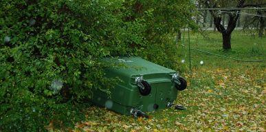 Prašome atsakingai tvarkyti žaliąsias atliekas!