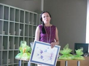 Galimybe pirmajai naujoje bibliotekos ekspozicijų salėje surengti savo darbų parodą džiaugiasi menininkė Jolita Jurkevičiūtė.