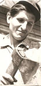Antanas Bilotas - auksarankis buvusio Kiauklių kolūkio stalius.