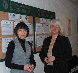 """Svajonė Žedavainienė ir Jolanta Bučienė mano, kad projektas """"Laikinieji darbai"""" - puiki pagalba ekonominių sunkumų patiriančioms įmonėms."""