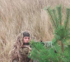 Karinių maskuočių metu tekdavo susilieti su gamta.