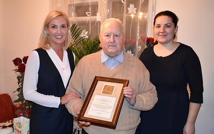 Merė pasveikino kunigą Antaną Černą