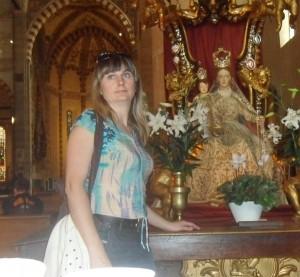 Kiauklių bažnyčios chorui vadovauja vargonininkė Laima Gelūnaitė.