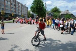 """""""Draugystės be sienų"""" renginyje dalyvavo per šimtą rajono moksleivių ir jų vadovų."""