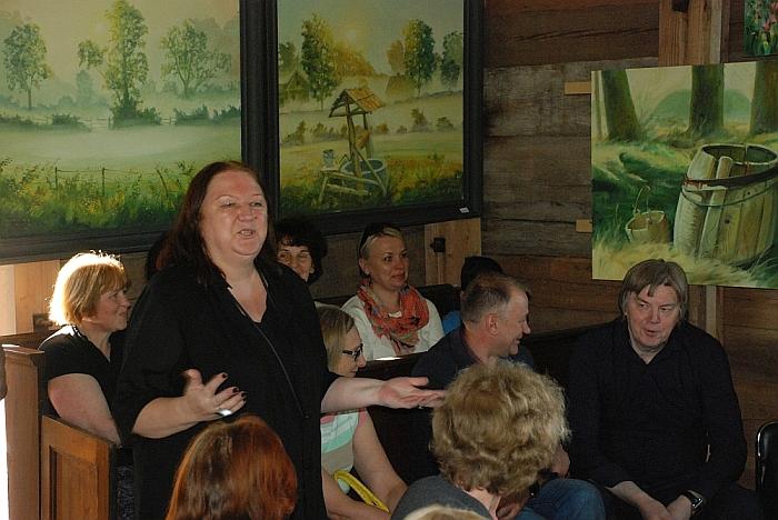 Rita Dzedulionienė pasakoja apie savo vyro kurybos pradžią.