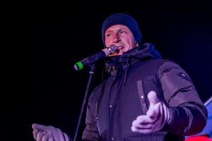 Gausiai susirinkusių širvintiškių ir svečių minią sveikino ir savo dainas dovanojo Širvintų rajone gyvenantis žinomas dainininkas Egidijus Sipavičius.