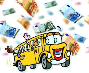 Priešais Čiobiškio pagrindinės mokyklos geltonąjį autobusiuką pažiro ... eurų lietus.