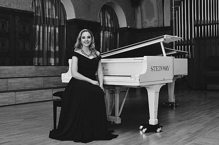 """Evelina Greiciūnaitė patarė Kalėdų vakarą būtinai pasiklausyti kompozitoriaus Adolfo Adamo kūrinį """"O Holy Night""""."""