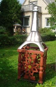 Prie Beivydžių kaimo gyventojų Veronikos ir Algirdo Gelūnų namų esanti patraukli pašto dėžutė primena Eifelio bokštą.